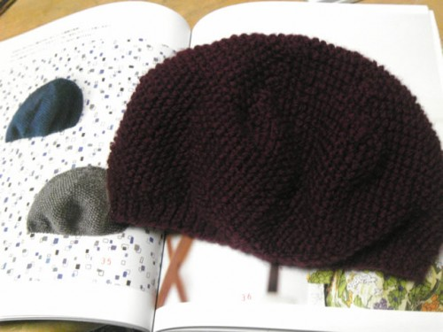 手編みキャップ