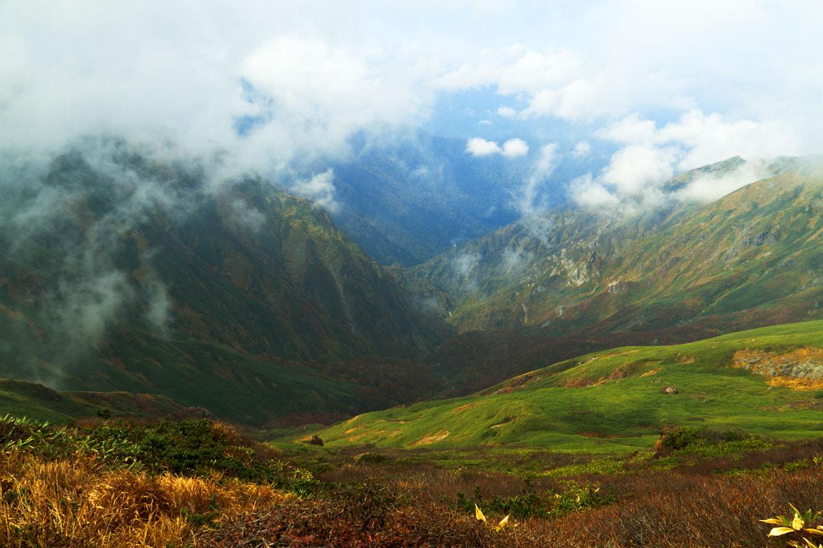 谷川岳の頂上からの景色