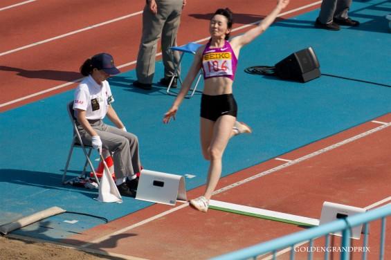 井村久美子選手の跳躍