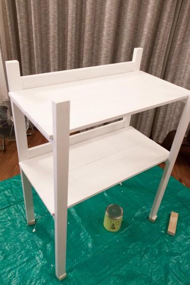 水性塗料の白で塗装